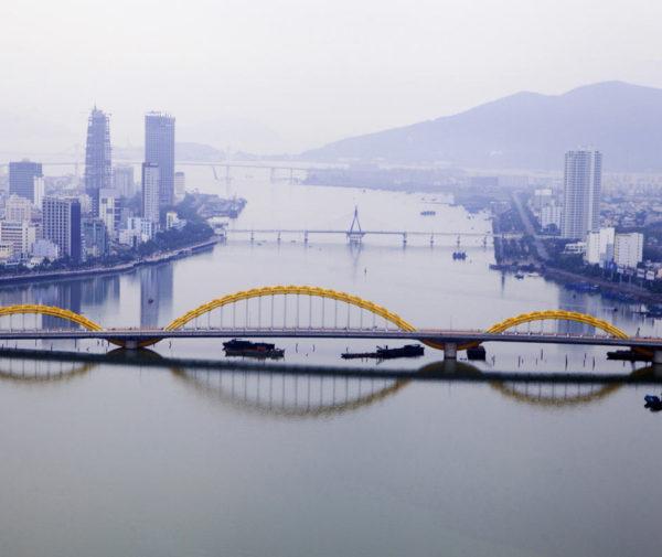 transfer from Hue to da Nang by car