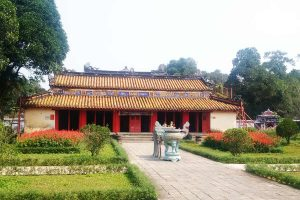 gia-long-tomb-1