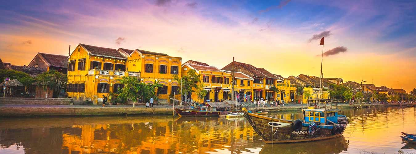 Hue to Hoi An by private cars