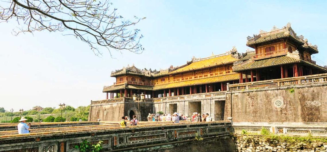 Hoi An to Hue by private car or Danang to Hue by car
