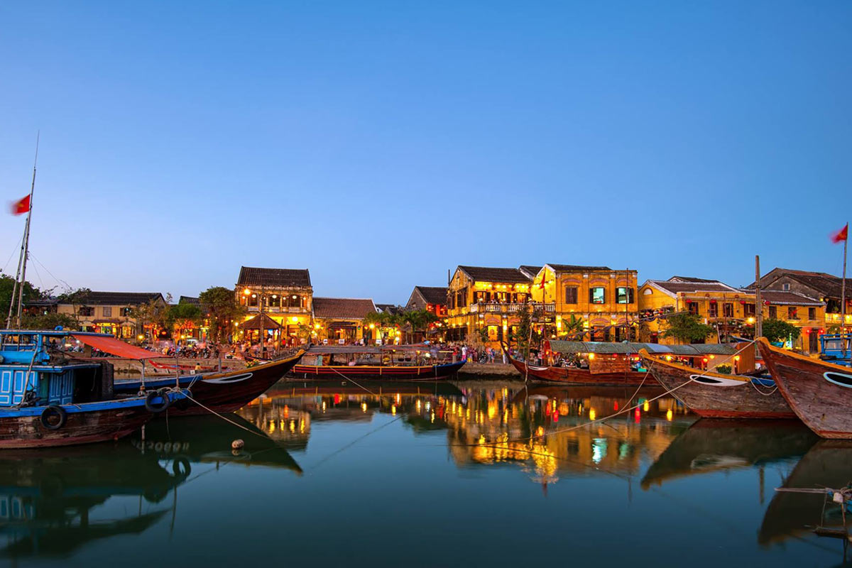 Moving Company Reviews >> Da Nang airport to Hoi An transfer by car with best price guaranteed.