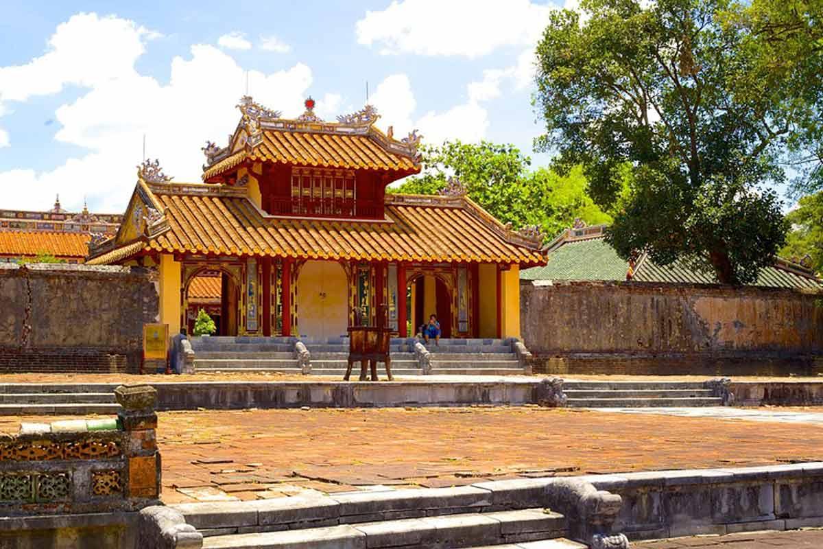 Tomb of Minh Mang emperor