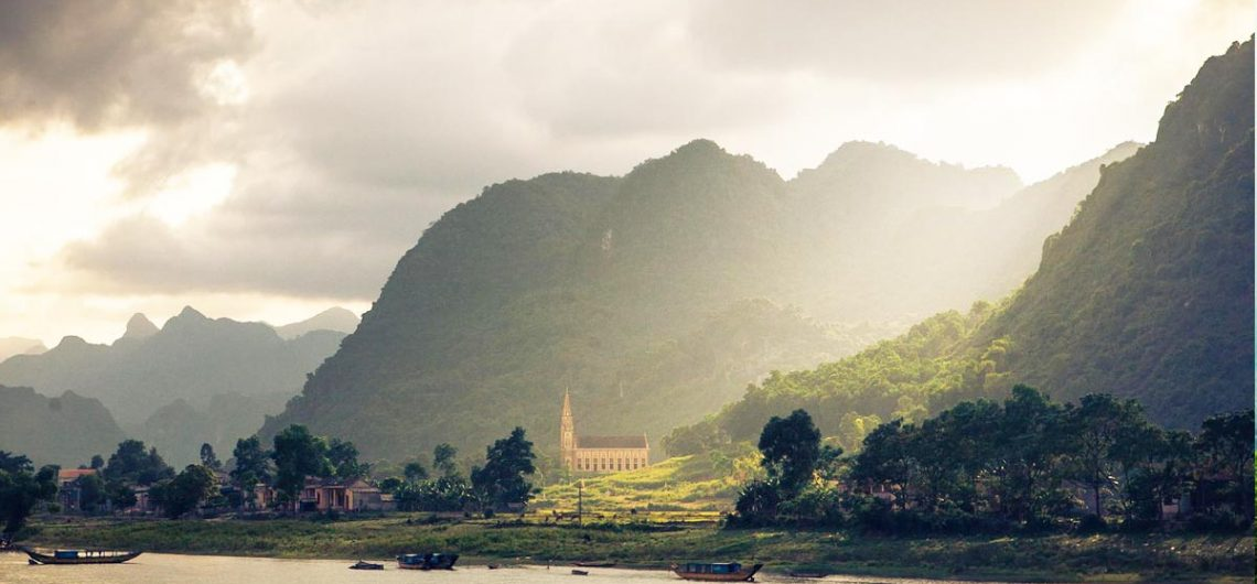 how to get to phong nha from hanoi