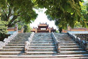 gia-long-tomb-2