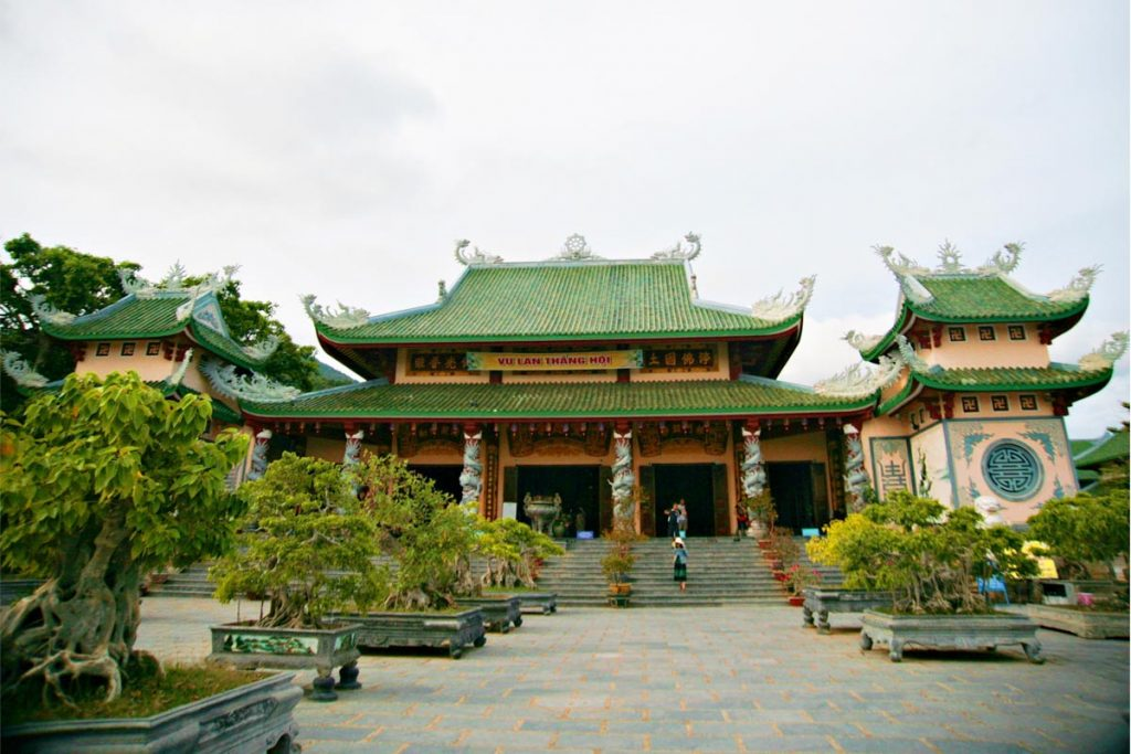 linh-ung-pagoda-in-son-tra