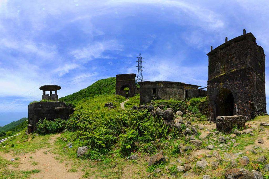 Hai Van gate and bunkers