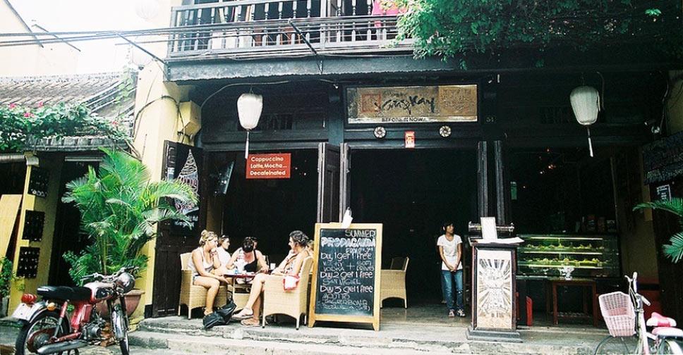 Hoi An night life restaurant