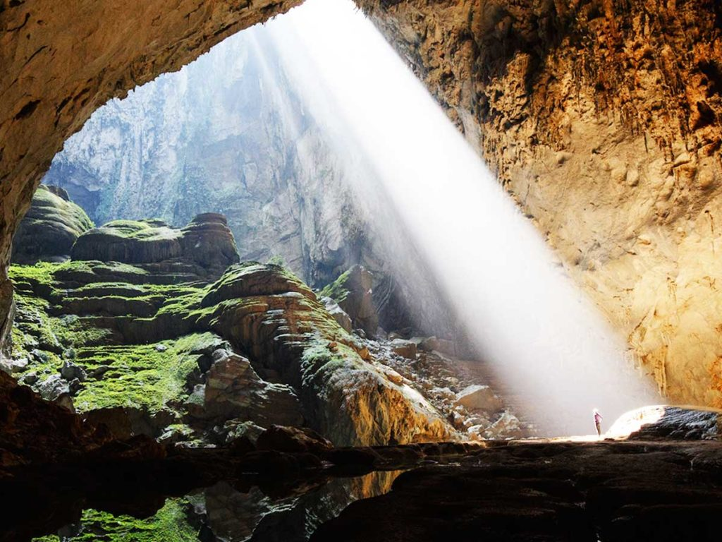 the largest cave in the world Sondoong