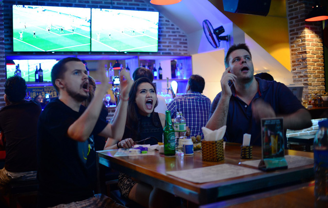 Coffee Shops and Restaurants in Hoi An to see World Cup 2018