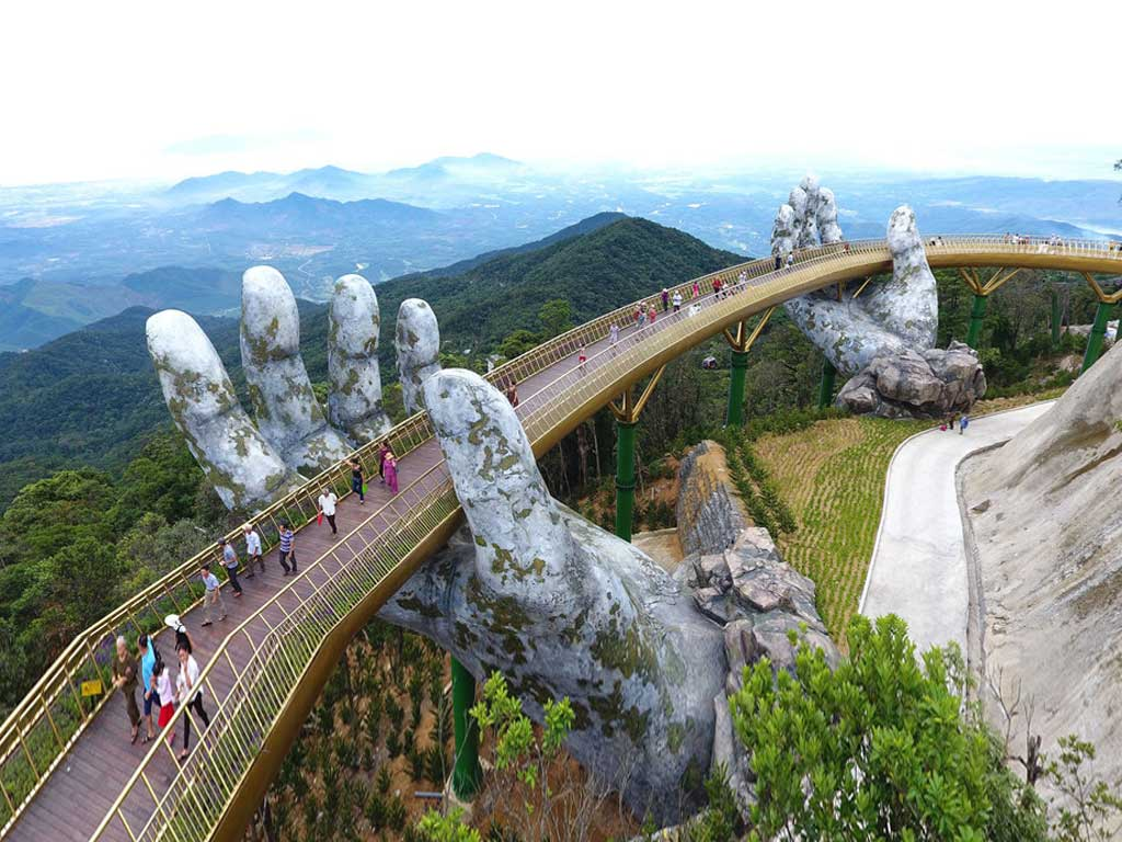 GOLDEN BRIDGE BANA HILLS