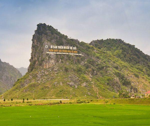 transfer phong nha to Hue by private car