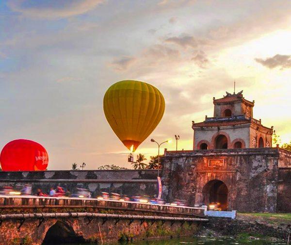 Hot air balloons ride vietnam